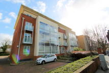 2 bedroom Flat for sale in Woodcote Road...