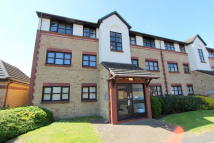 2 bed Flat for sale in Foxglove Way, Hackbridge...