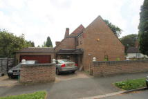 6 bedroom Detached home in FARM LANE, Purley, CR8