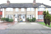 3 bedroom Terraced house in Windsor Avenue, SM3