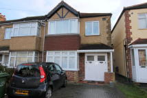 1 bedroom Flat in Cheam,  SM3