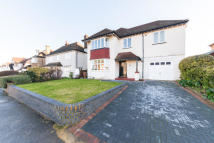 4 bedroom Detached property in Cheam,  SM2