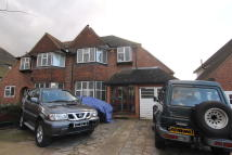3 bed semi detached property in Cheam,  SM1