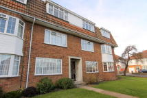 2 bedroom Ground Flat for sale in Cheam,  SM3