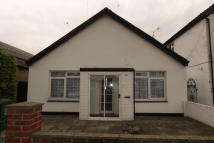 Detached Bungalow in  Sutton, SM1