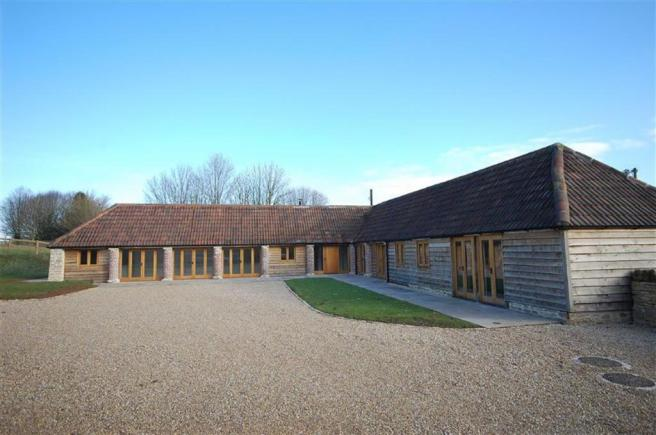 3 bedroom barn conversion for sale in the l shaped barn for Barn shaped house plans