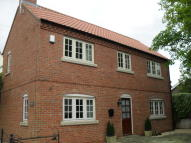 2 bed Detached home in High Street...