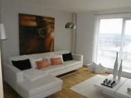 Penthouse to rent in QUEEN MARY AVENUE...