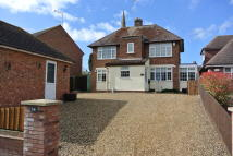 4 bedroom Detached house in Willow Lane, Stanion...
