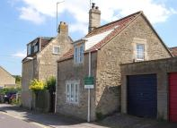 1 bedroom Detached property in Ashley Road...