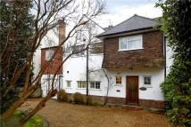 Detached house in Sheen Common Drive...