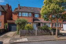 5 bed house for sale in Burdenshott Avenue...