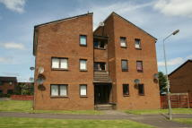 Flat for sale in Lyoncross Avenue...