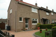 2 bed End of Terrace property in Hawthorn Avenue...