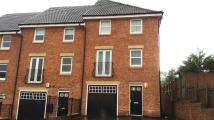 3 bedroom Town House to rent in De Walden Drive...