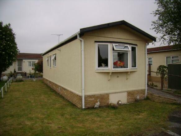 2 Bedroom Mobile Home For Sale In RIVERSIDE PARK BURTON ON TRENT