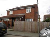 1 bed semi detached home to rent in Hampden Close...