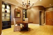 4 bedroom Flat to rent in Arlington Street...