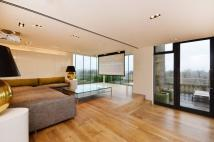 3 bed Penthouse to rent in Hyde Park Estate...