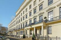 Flat for sale in Hyde Park Gardens...