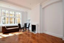 Flat to rent in Denman street, Soho, W1D