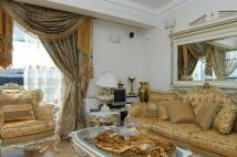 2 bedroom Flat for sale in The Water Gardens...