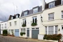 3 bed home in Hyde Park Gardens Mews...