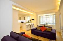 2 bedroom Flat in Portsea Place...