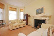 1 bed Flat in Hay Hill, Mayfair, W1J