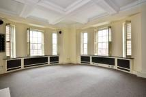 2 bed Flat to rent in Davies Street...