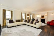 Flat for sale in Upper Grosvenor Street...