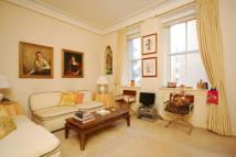 Studio flat in Hay Hill, Mayfair, W1J