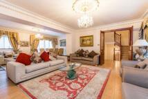 5 bedroom Flat in Brick Street, Mayfair...
