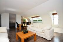 Flat to rent in Hyde Park Gardens...