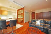 Studio apartment in South Warf Road...