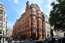 Flat to rent in Hay Hill, Mayfair, W1J