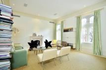 3 bed Maisonette in Rose Square...