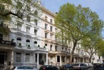 1 bedroom Flat for sale in Queens Gate...