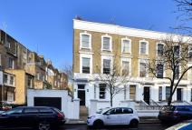 2 bed Maisonette in Redcliffe Place, Chelsea...