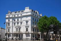 2 bedroom Flat to rent in Queens Gate...