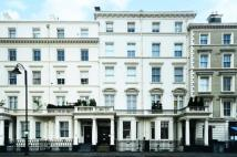 3 bed Flat in Stanhope Gardens...
