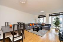 3 bed Flat in Hyde Park Gate...