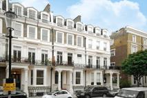 Flat for sale in Earls Court Square...