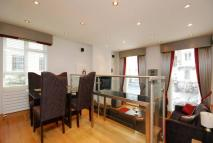 Flat to rent in Elvaston Place...