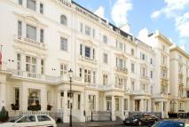 Studio apartment to rent in Queensberry Place...