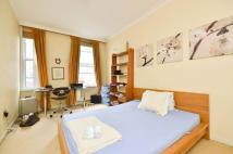 1 bedroom Flat in Drayton Gardens, Chelsea...