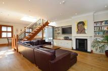 3 bedroom home to rent in Logan Mews, Kensington...