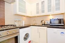 1 bedroom Flat to rent in Queens Gate...