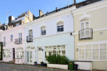 house to rent in Ennismore Gardens Mews...