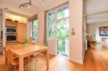Flat for sale in Drayton Gardens...